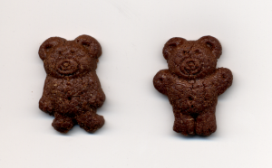 Chocolate_teddy_graham_closeup