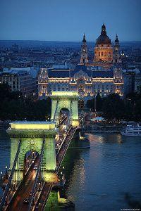 400px-Budapest_Chain_Bridge1
